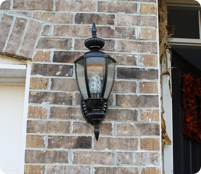 Renewing outdoor lights with spray paint